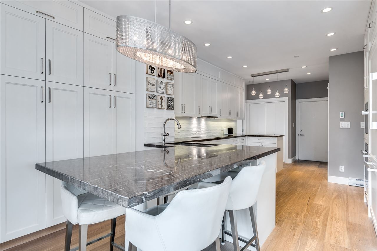 401 118 W 22ND STREET - Central Lonsdale Apartment/Condo for sale, 3 Bedrooms (R2471039) - #1