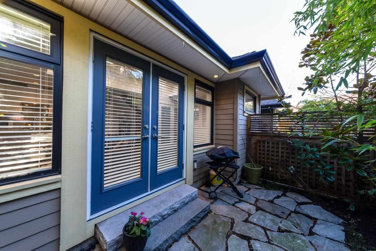 250 E 10TH STREET - Central Lonsdale 1/2 Duplex for sale, 2 Bedrooms (R2471068) - #2