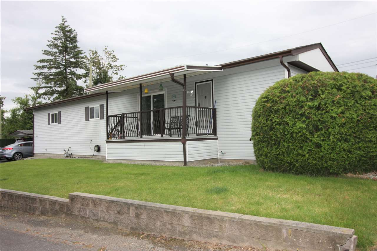 261 27111 0 AVENUE - Aldergrove Langley Manufactured for sale, 3 Bedrooms (R2471117) - #1
