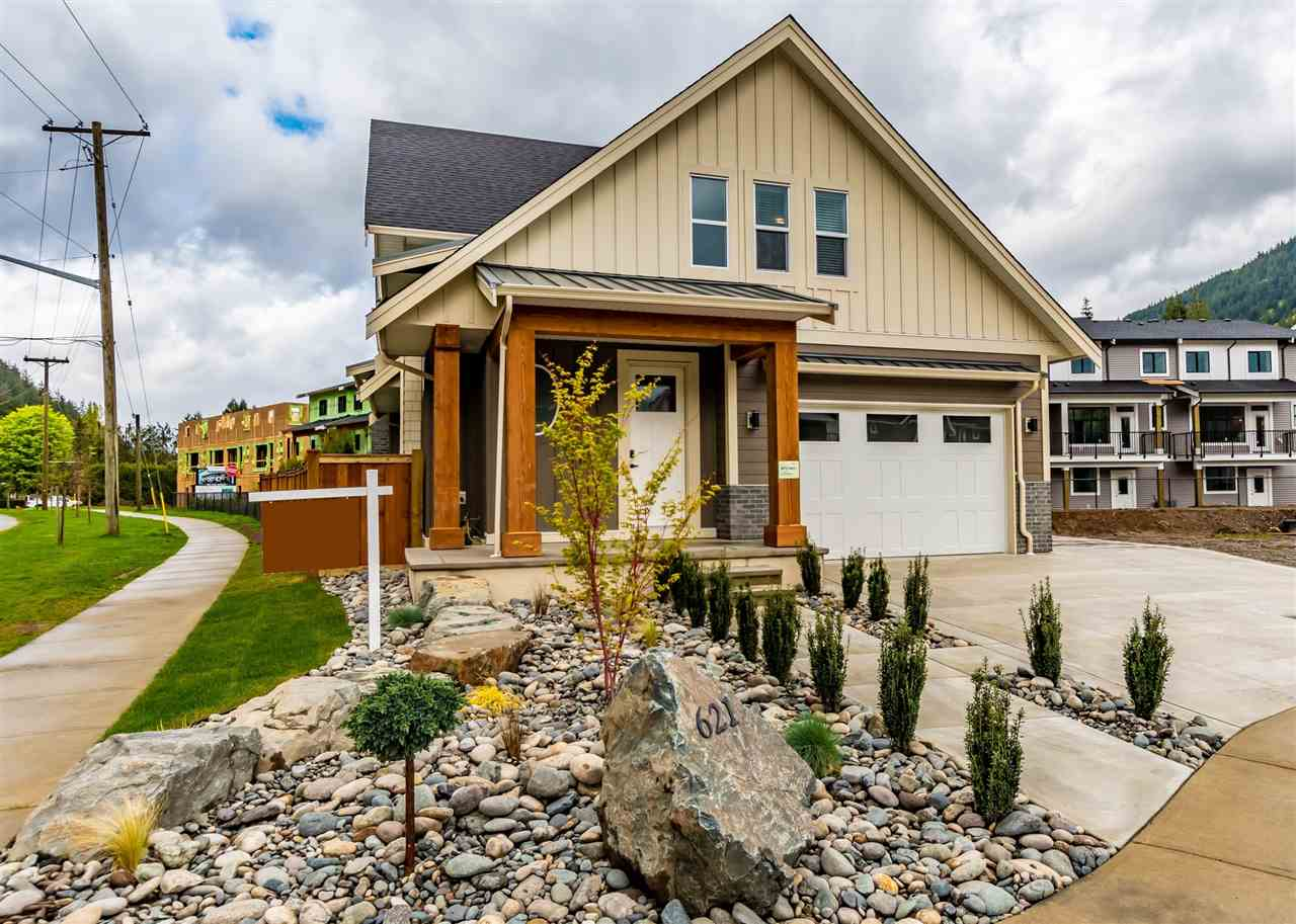 621 SCHOONER PLACE - Harrison Hot Springs House/Single Family for sale, 4 Bedrooms (R2471309) - #1