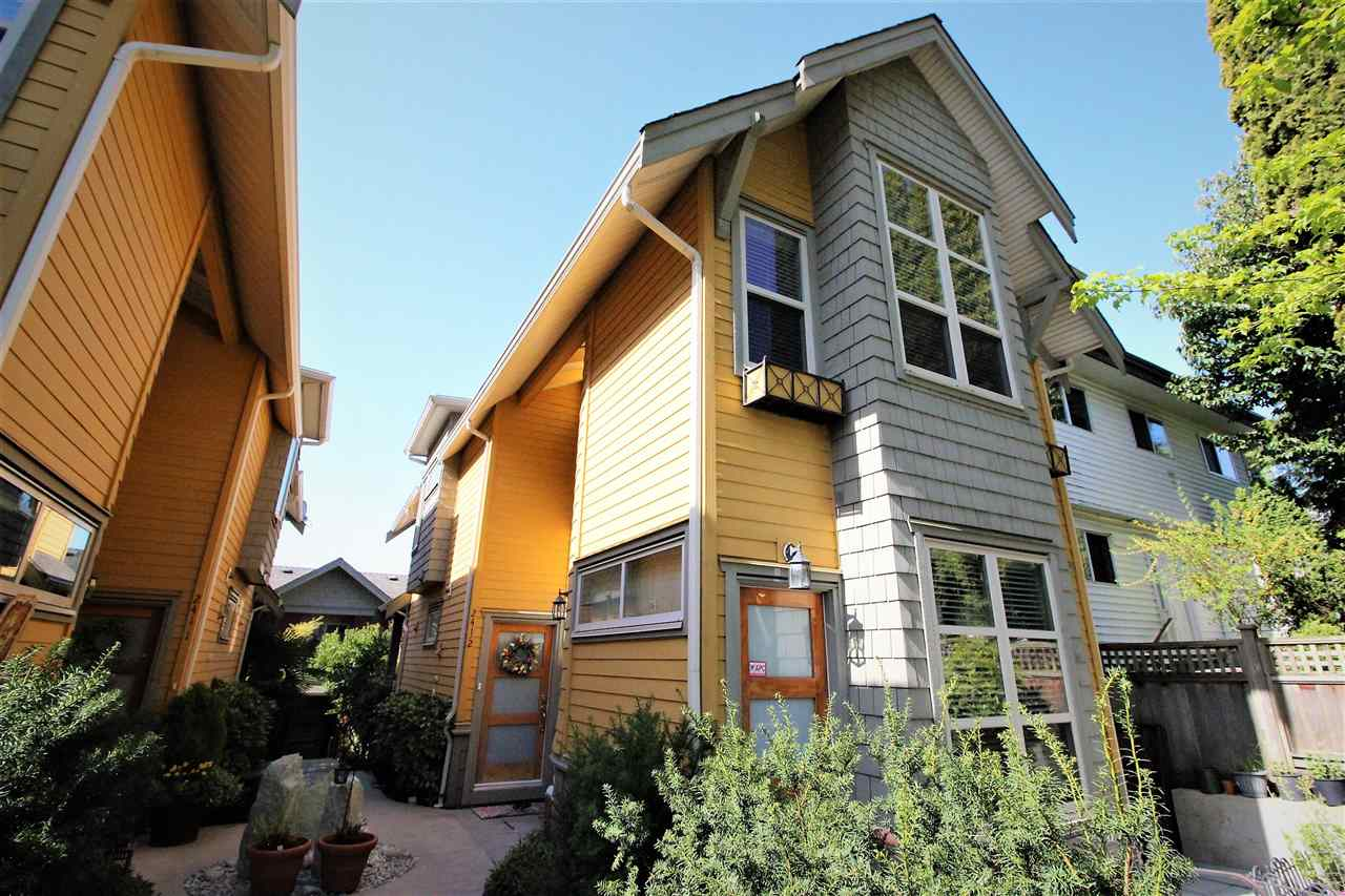 2 241 W 5TH STREET - Lower Lonsdale Townhouse for sale, 3 Bedrooms (R2471899) - #1