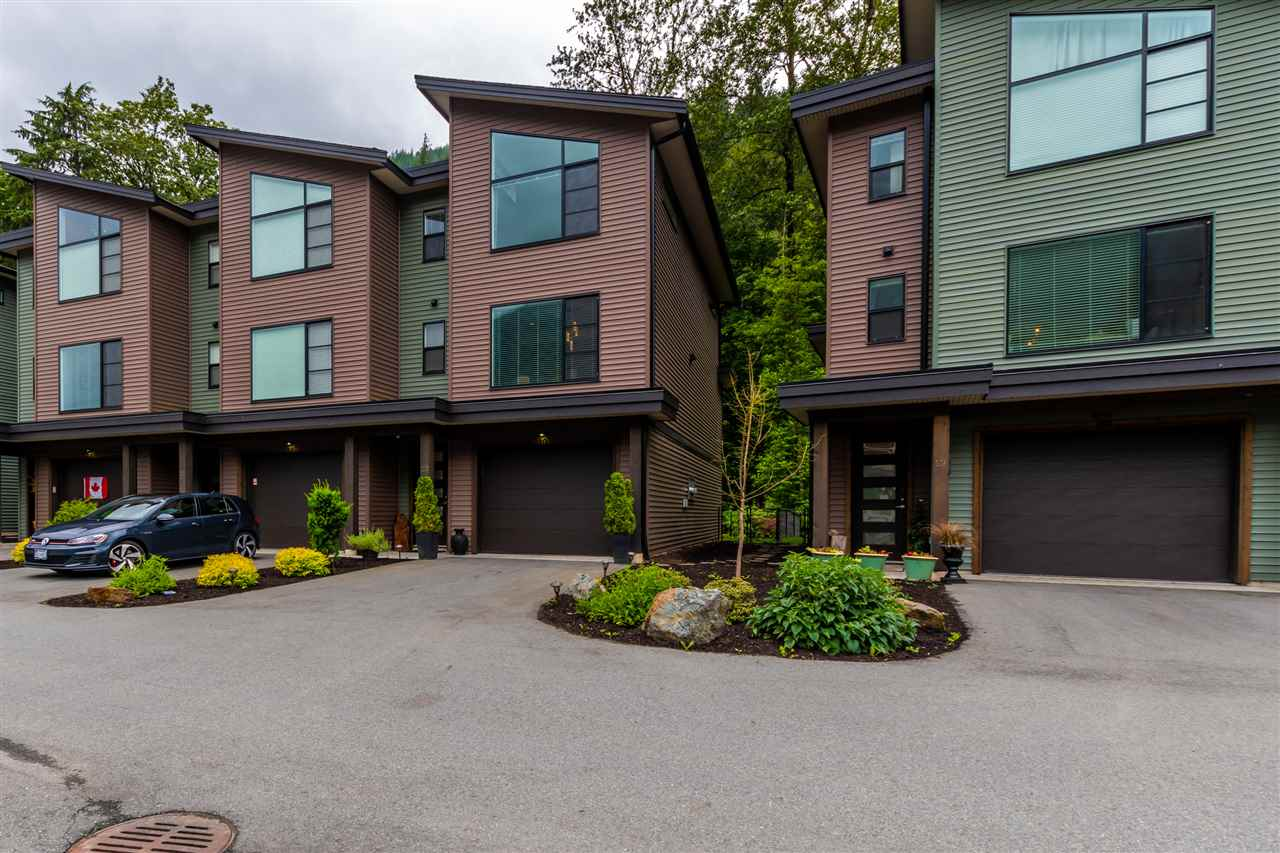 20 520 HOT SPRINGS ROAD - Harrison Hot Springs Townhouse for sale, 2 Bedrooms (R2471933) - #1