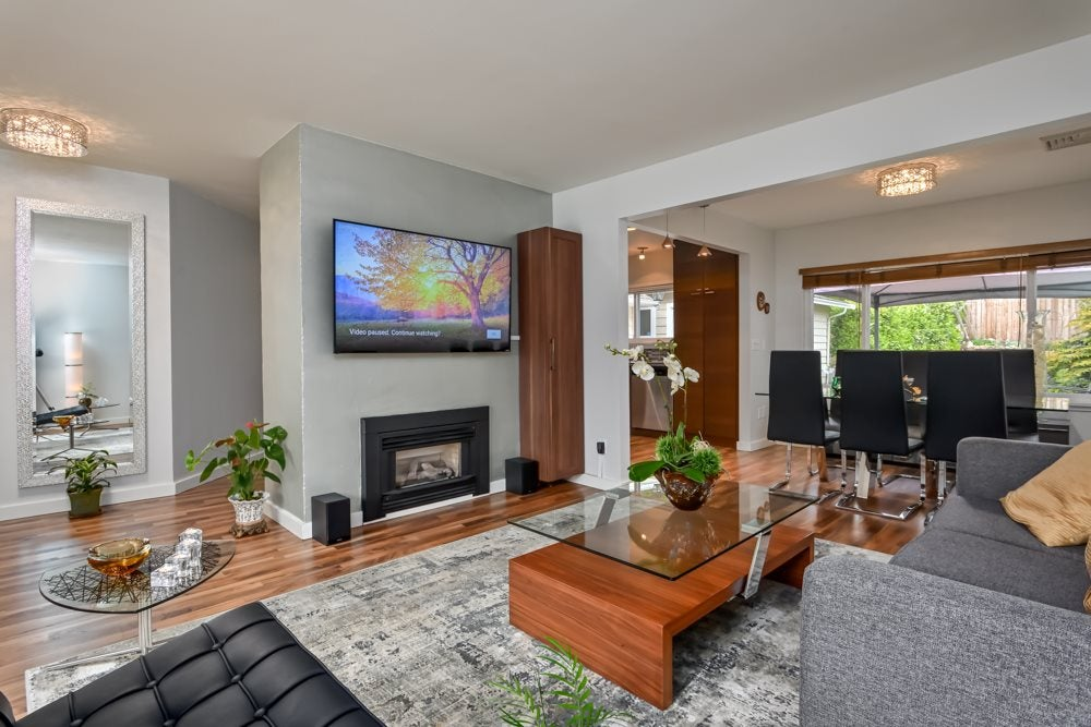 2032 WESTVIEW DRIVE - Central Lonsdale House/Single Family for sale, 3 Bedrooms (R2472832)