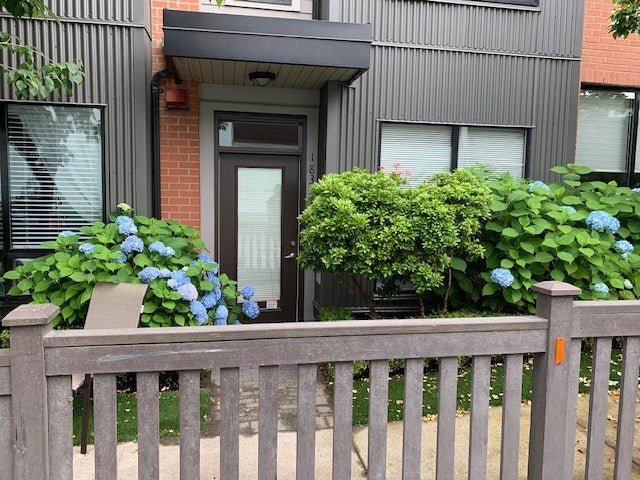 1831 STAINSBURY AVENUE - Victoria VE Townhouse for sale, 2 Bedrooms (R2473359)