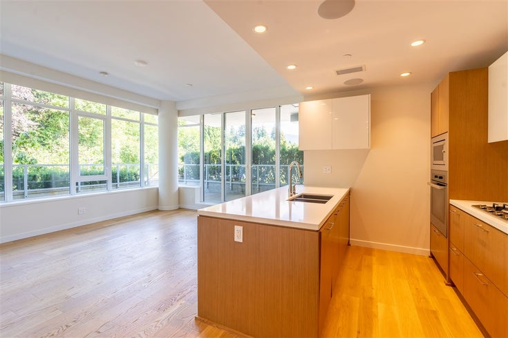501 768 ARTHUR ERICKSON PLACE - Park Royal Apartment/Condo for sale(R2473411)