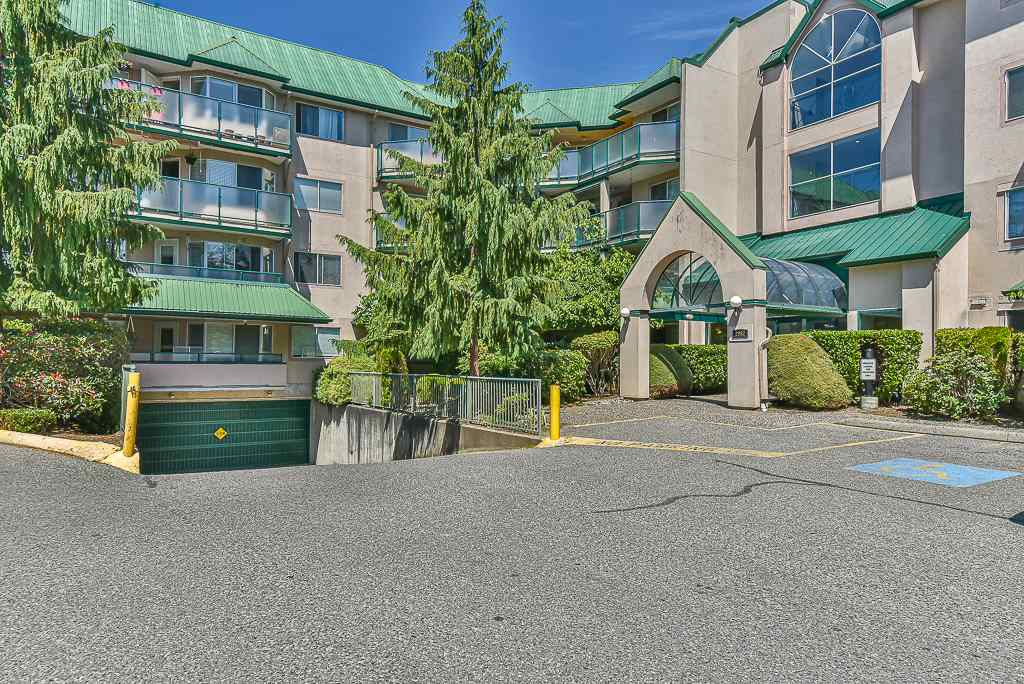 122 2962 TRETHEWEY STREET - Abbotsford West Apartment/Condo for sale, 2 Bedrooms (R2473837) - #1
