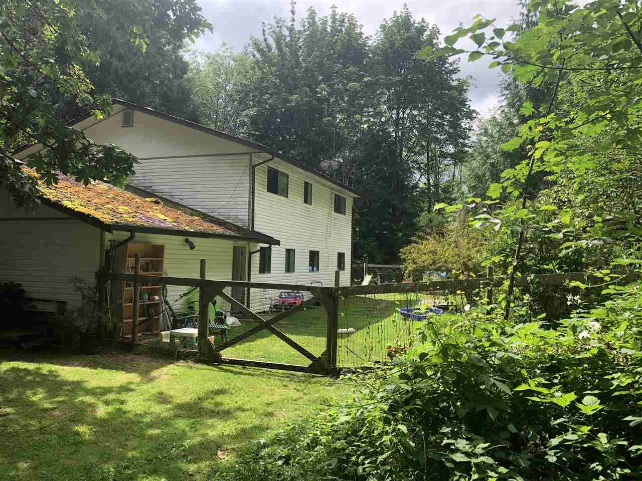 1811 PORT MELLON HIGHWAY - Gibsons & Area House with Acreage for sale, 3 Bedrooms (R2474862)