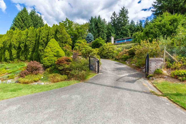 5236 YACHT ROAD - Sechelt District House with Acreage for sale, 4 Bedrooms (R2475849)