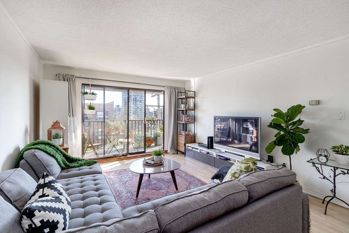 308 131 W 4TH STREET - Lower Lonsdale Apartment/Condo for sale, 2 Bedrooms (R2476421) - #1