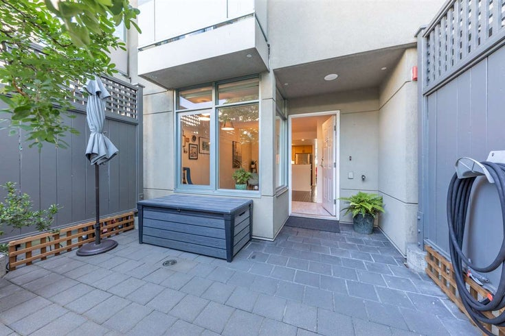 TH15 63 KEEFER PLACE - Downtown VW Townhouse for sale, 3 Bedrooms (R2477019)