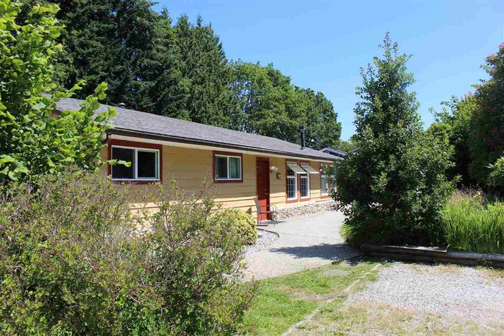 914 DAVIS ROAD - Gibsons & Area House/Single Family for sale, 3 Bedrooms (R2478036)