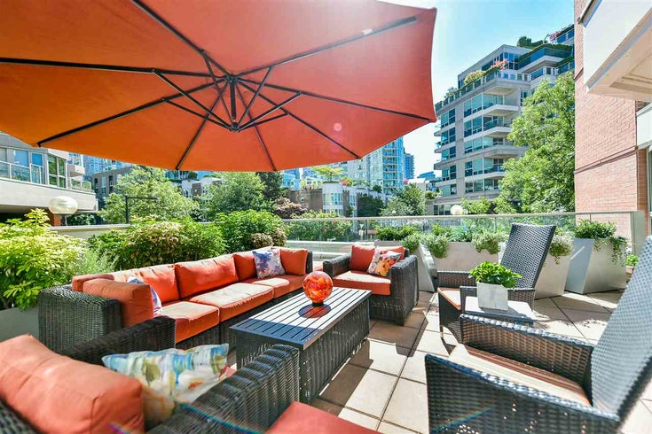 202 1675 HORNBY STREET - Yaletown Apartment/Condo for sale, 2 Bedrooms (R2478643)