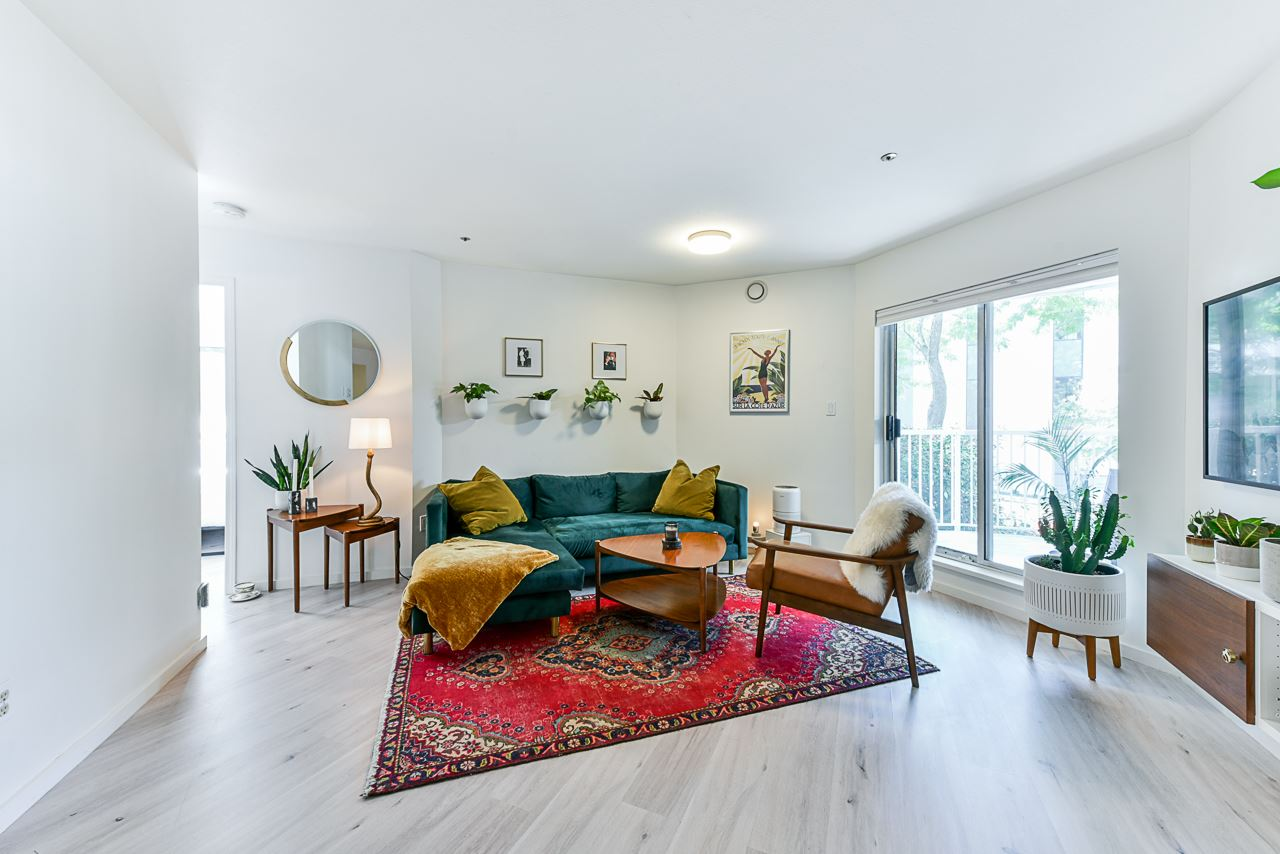 204 2023 FRANKLIN STREET - Hastings Apartment/Condo for sale, 1 Bedroom (R2479396)