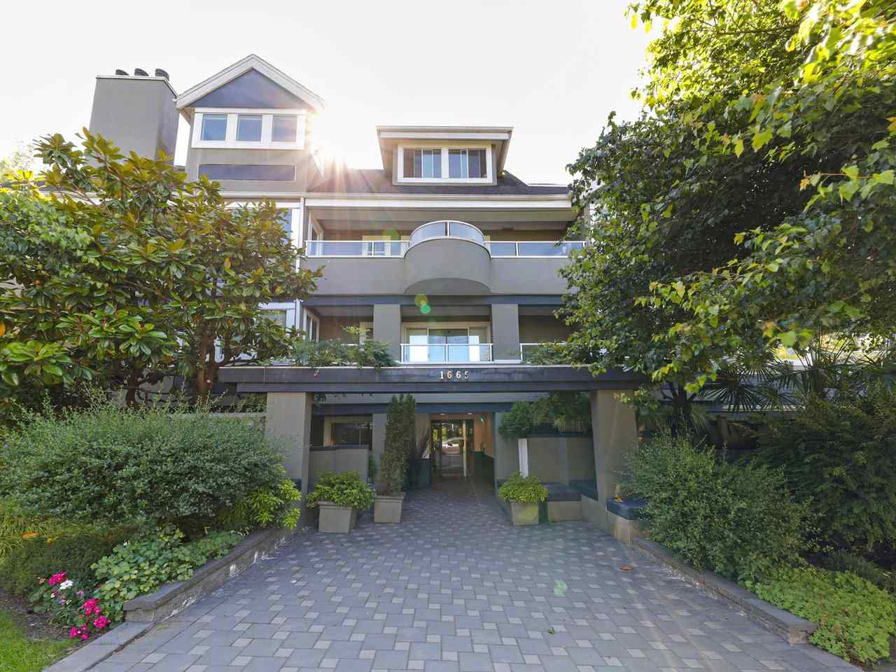 204 1665 ARBUTUS STREET - Kitsilano Apartment/Condo for sale, 1 Bedroom (R2479982)