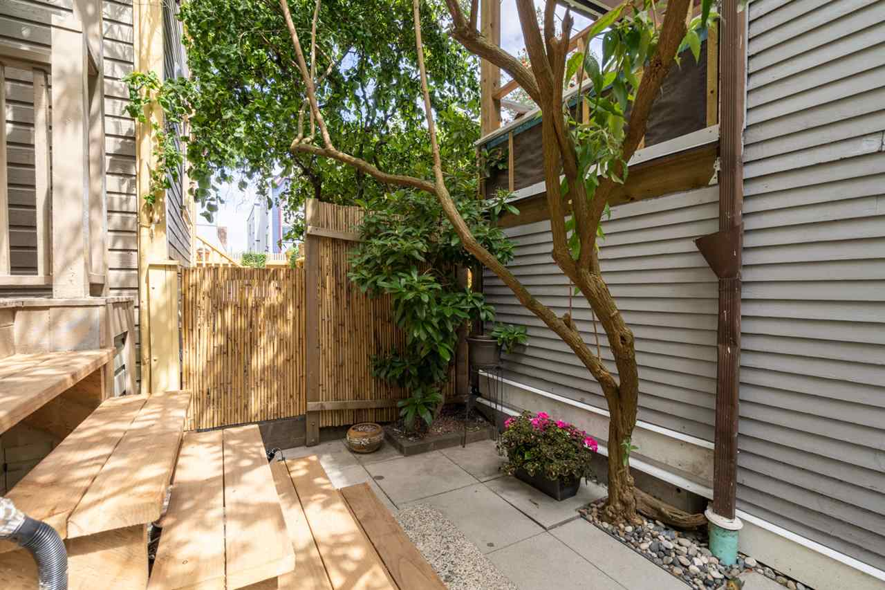 504 HAWKS AVENUE - Strathcona Townhouse for sale, 3 Bedrooms (R2480017) - #30