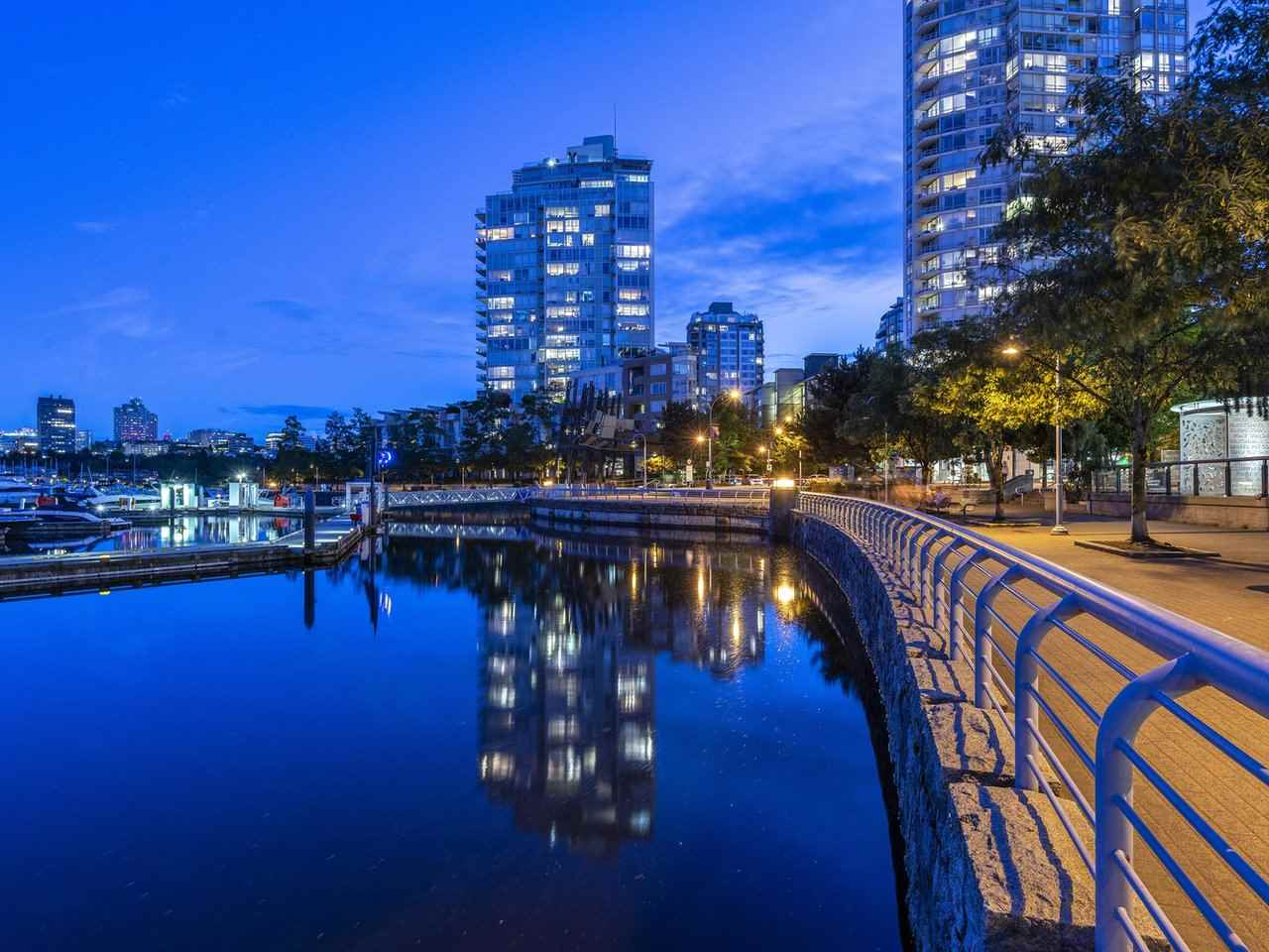 705 1201 MARINASIDE CRESCENT - Yaletown Apartment/Condo for sale, 3 Bedrooms (R2480191) - #3