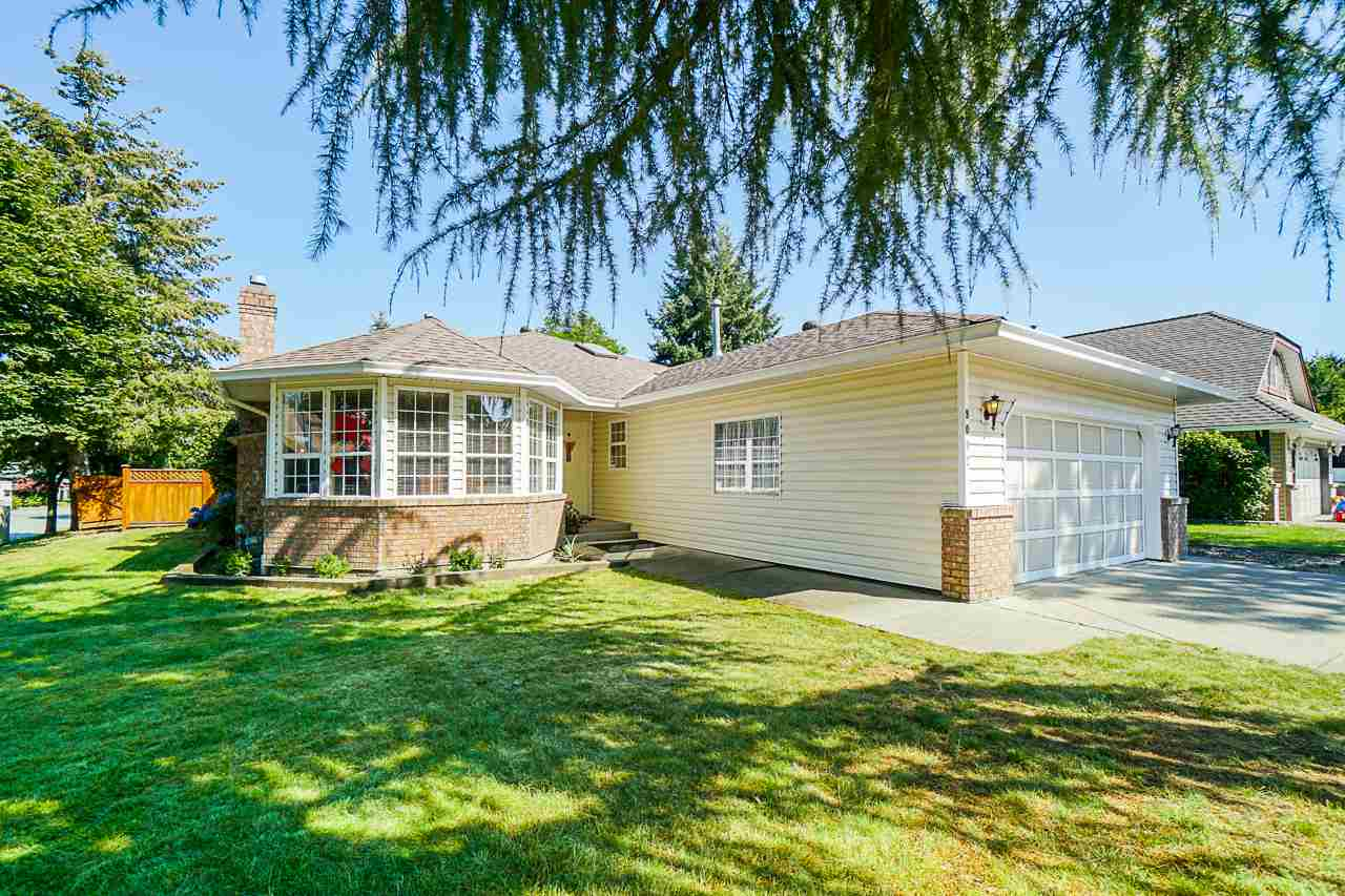9092 160A STREET - Fleetwood Tynehead House/Single Family for sale, 3 Bedrooms (R2481370) - #1