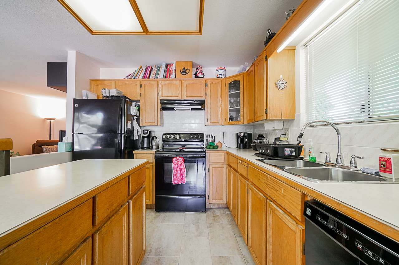 9092 160A STREET - Fleetwood Tynehead House/Single Family for sale, 3 Bedrooms (R2481370) - #15