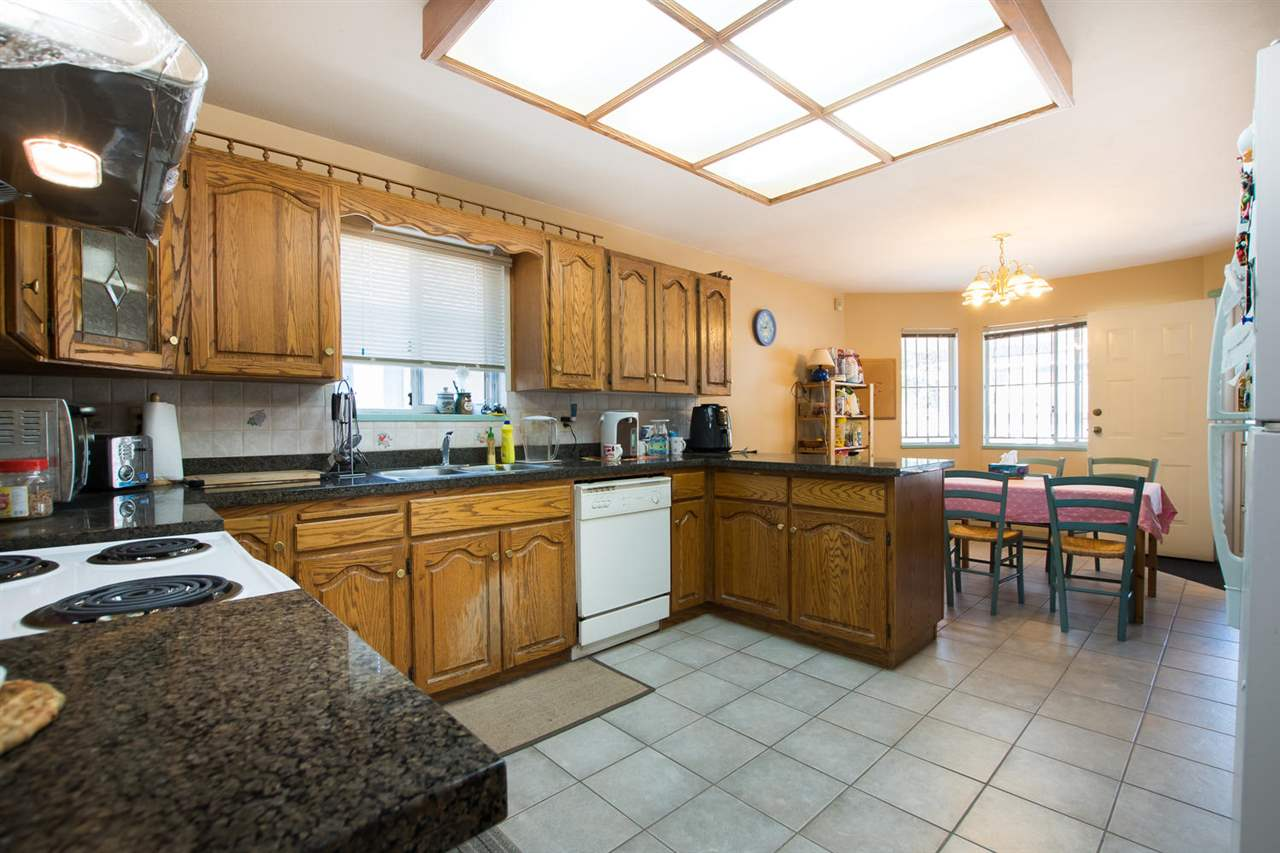 4223 NAPIER STREET - Willingdon Heights House/Single Family for sale, 7 Bedrooms (R2481413) - #8