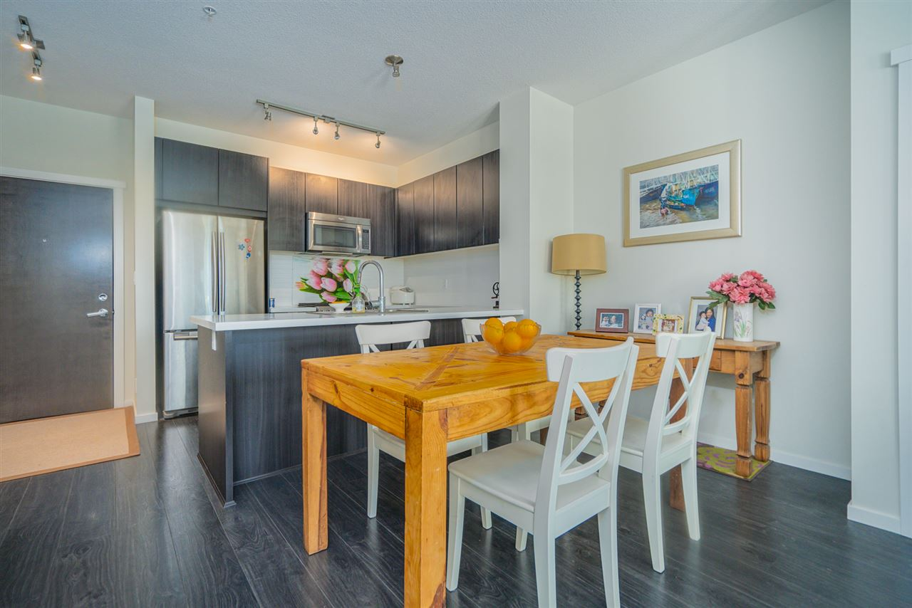 216 3107 WINDSOR GATE - New Horizons Apartment/Condo for sale, 2 Bedrooms (R2481599) - #4