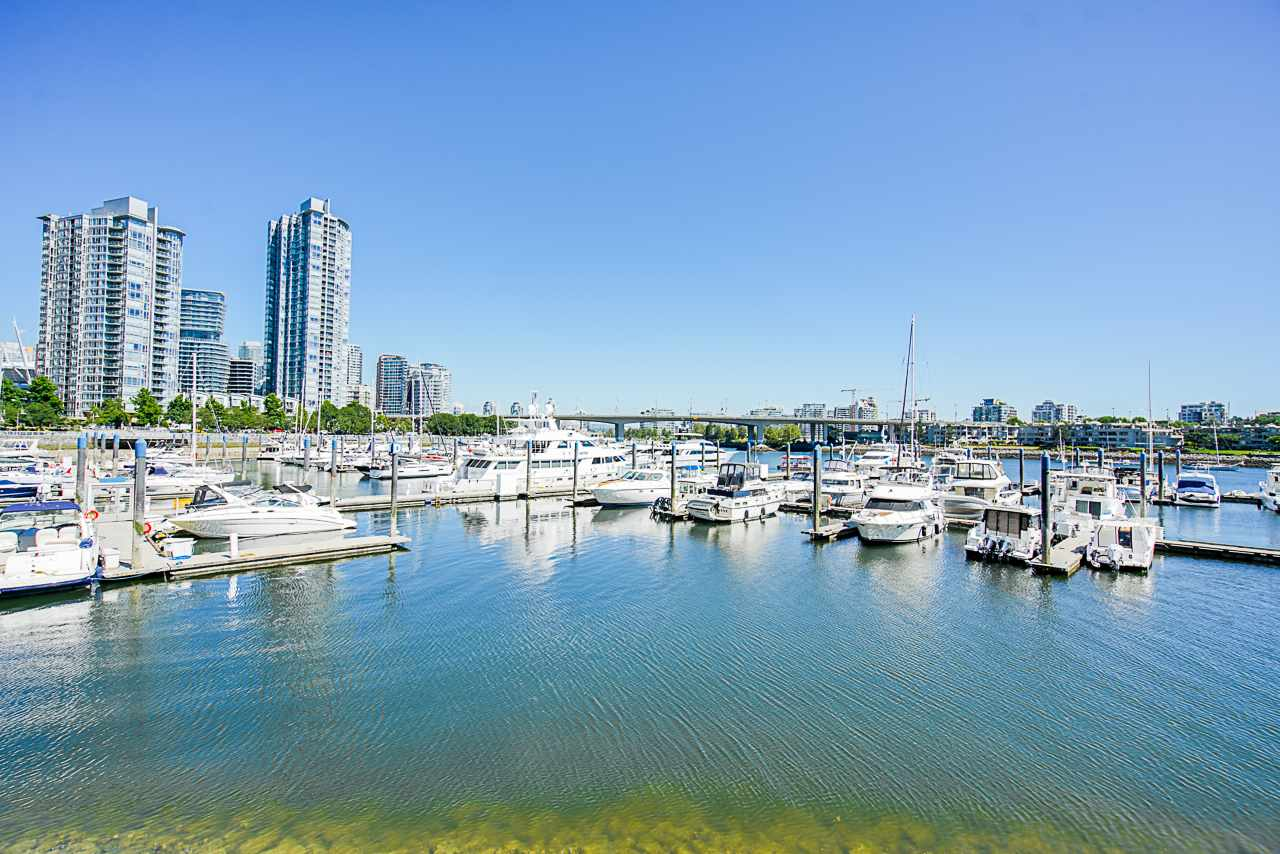 116 1228 MARINASIDE CRESCENT - Yaletown Townhouse for sale, 2 Bedrooms (R2482147) - #1