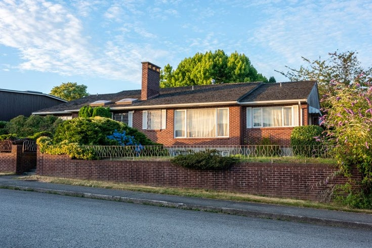901 JACKSON CRESCENT - The Heights NW House/Single Family for sale, 3 Bedrooms (R2482421)
