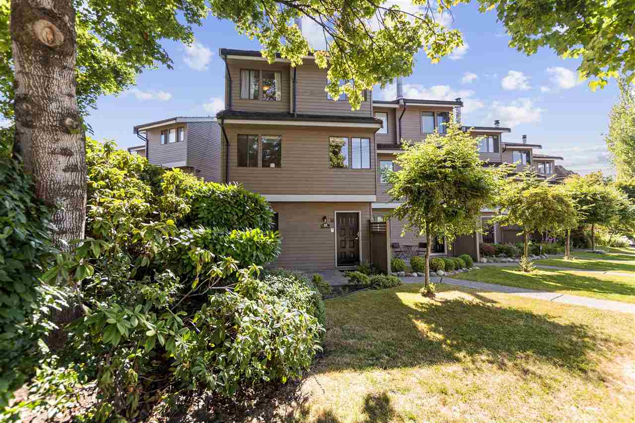 18 251 W 14TH STREET - Central Lonsdale Townhouse for sale, 4 Bedrooms (R2483831) - #1
