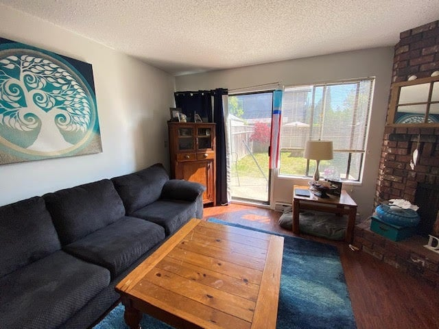 804 NORTH ROAD - Gibsons & Area Townhouse for sale, 2 Bedrooms (R2483885)