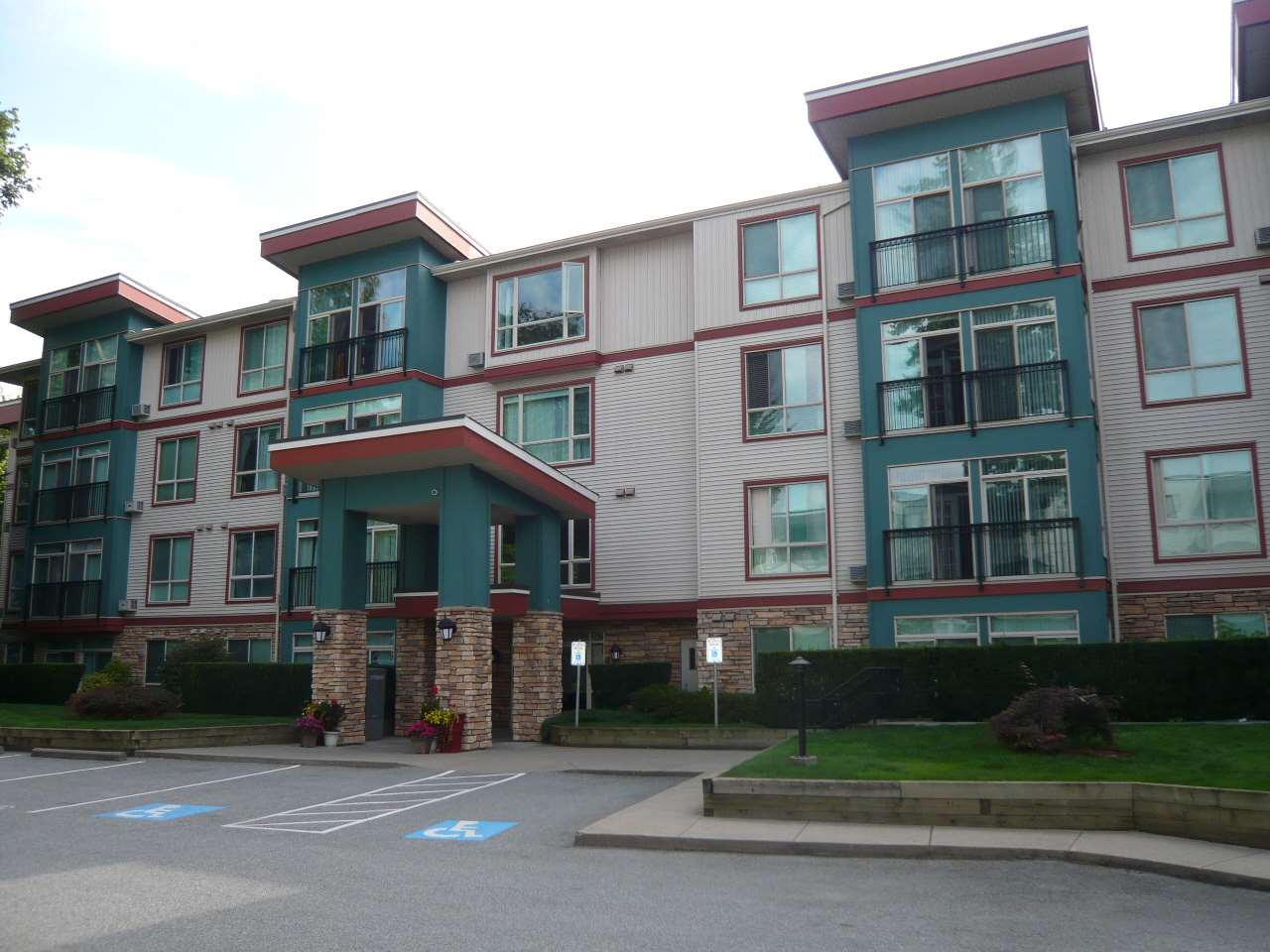 110 33485 SOUTH FRASER WAY - Central Abbotsford Apartment/Condo for sale, 2 Bedrooms (R2484643) - #1