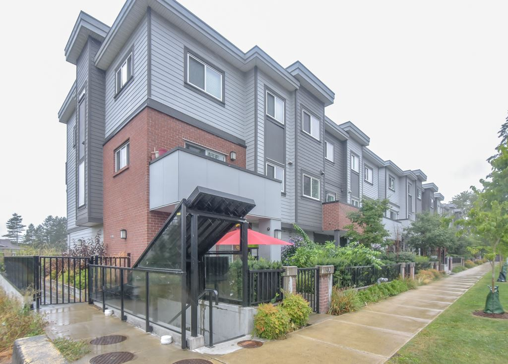 9 7247 140 STREET - East Newton Townhouse for sale, 2 Bedrooms (R2484787) - #1