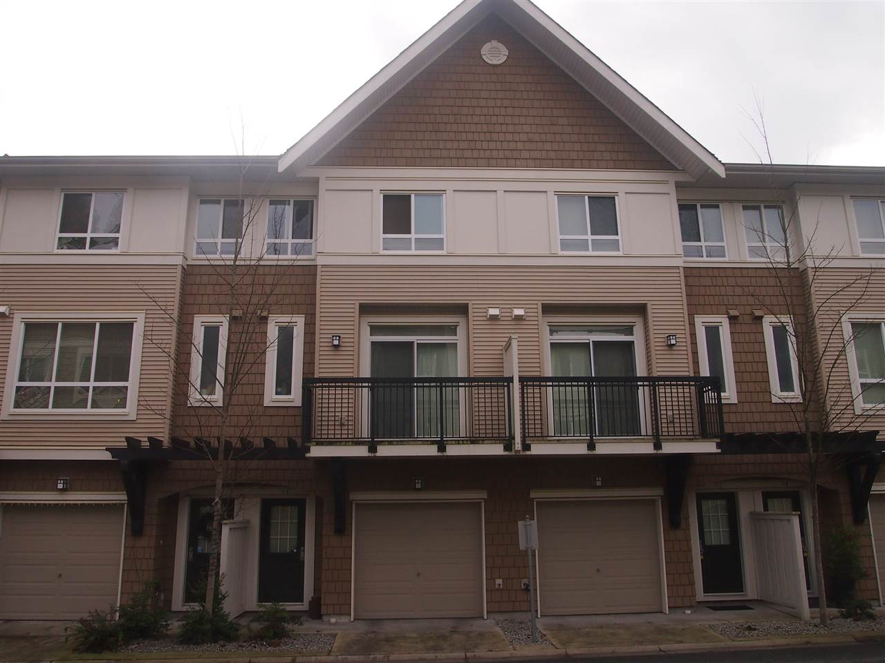 28 1305 SOBALL STREET - Burke Mountain Townhouse for sale, 3 Bedrooms (R2484828) - #1