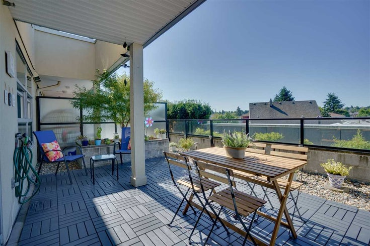210 4338 COMMERCIAL STREET - Victoria VE Apartment/Condo for sale, 1 Bedroom (R2485036)