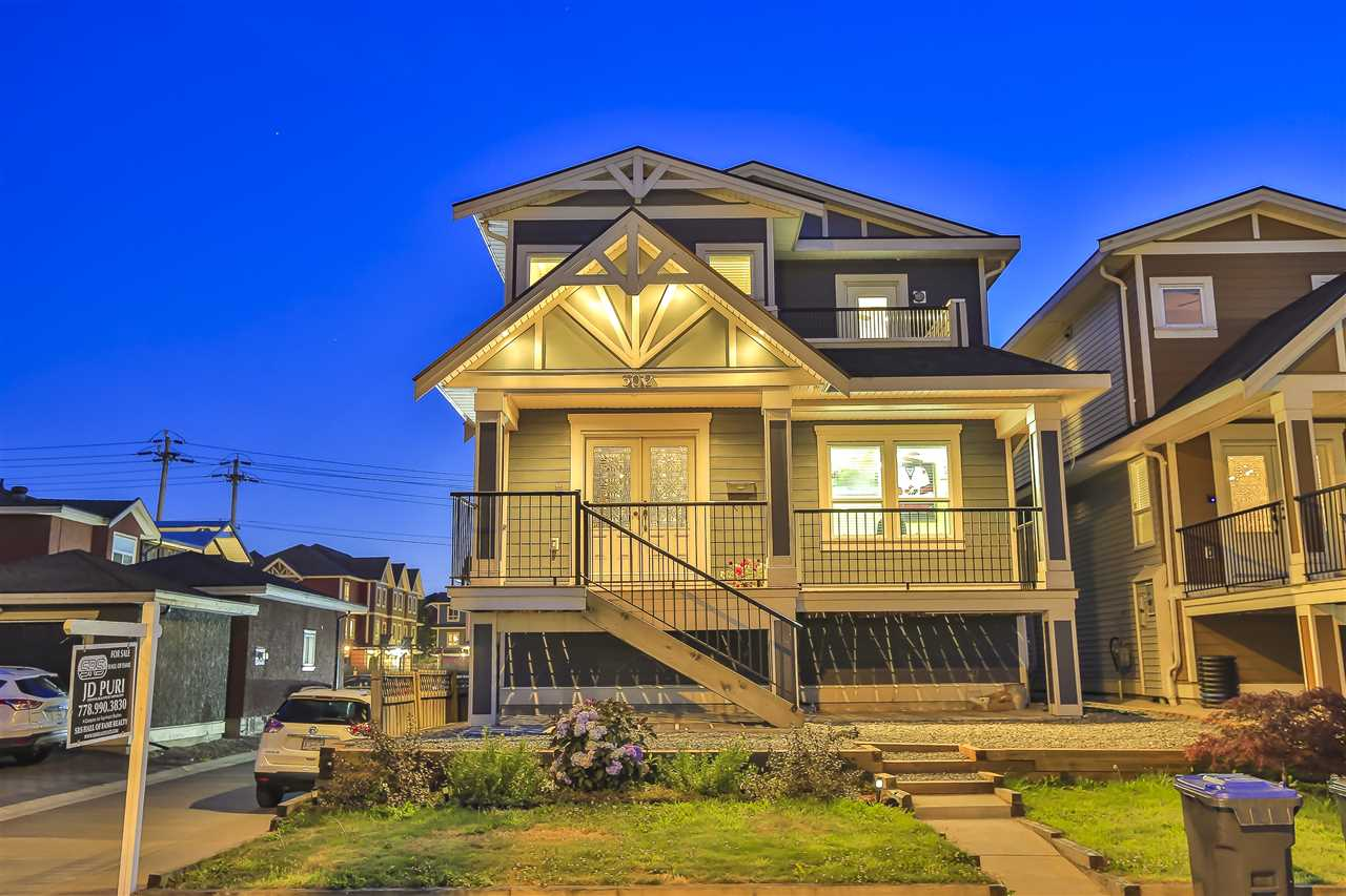 302 LAWRENCE STREET - Queensborough House/Single Family for sale, 6 Bedrooms (R2485321) - #1