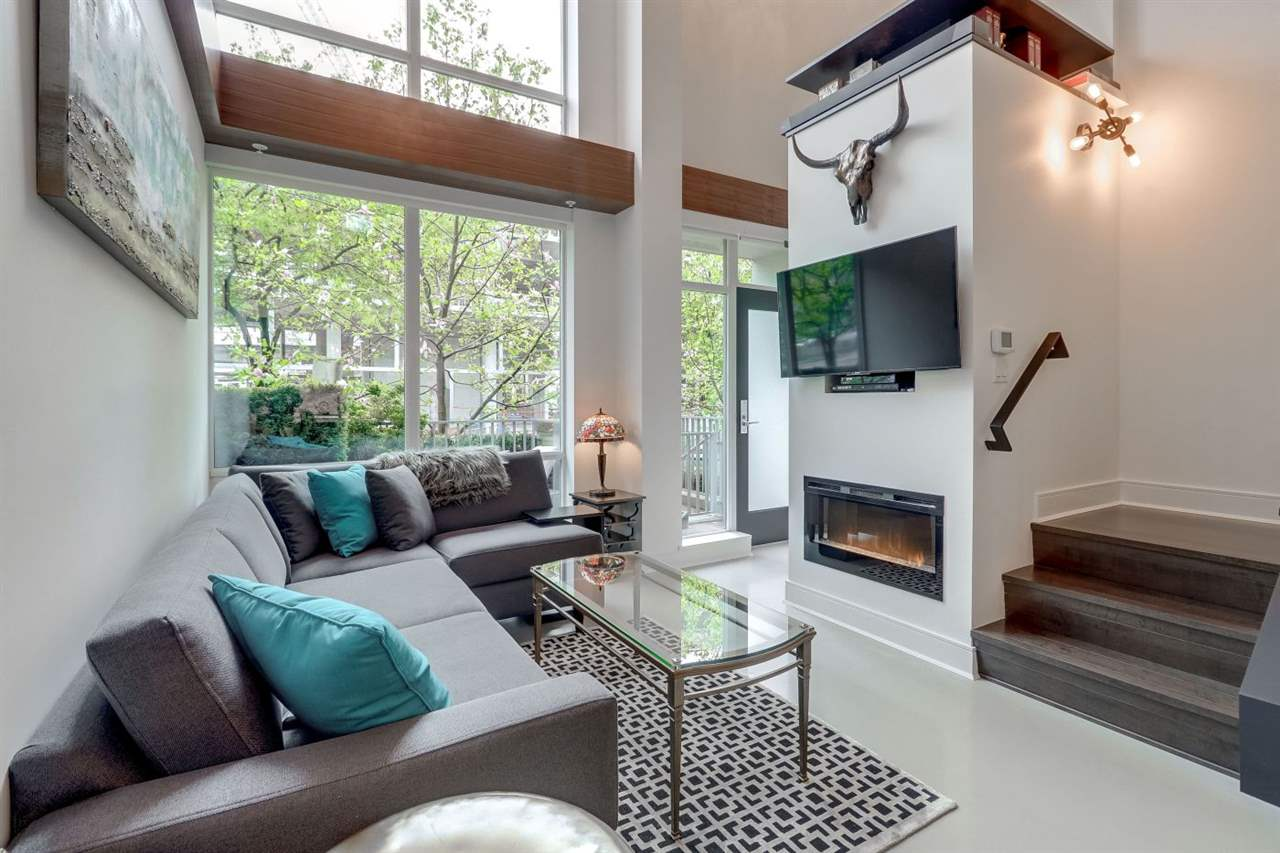 1439 HOWE STREET - Yaletown Townhouse for sale, 2 Bedrooms (R2485533)