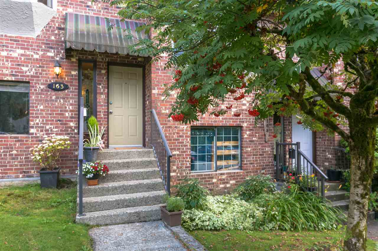 163 W 20TH STREET - Central Lonsdale Townhouse for sale, 3 Bedrooms (R2485708) - #1