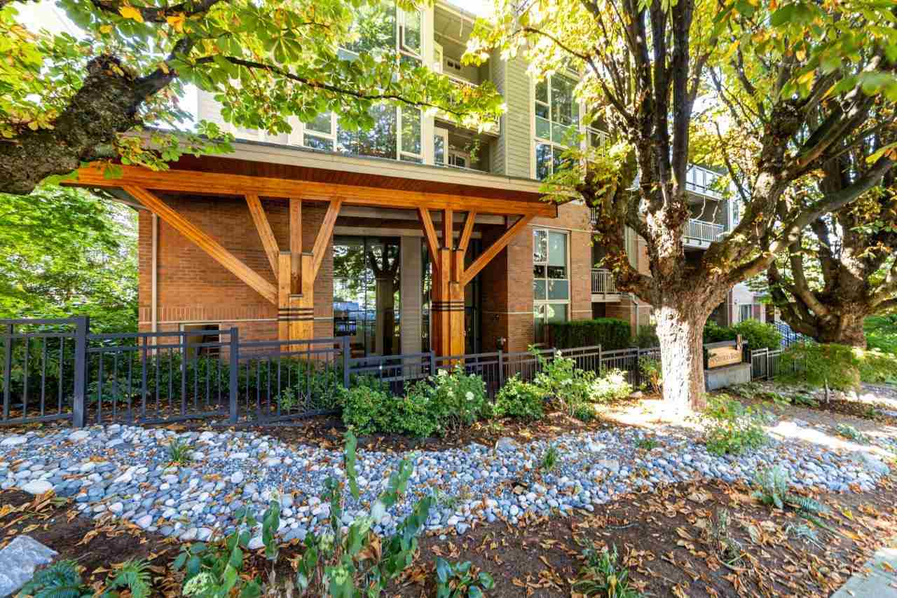 302 159 W 22ND STREET - Central Lonsdale Apartment/Condo for sale, 1 Bedroom (R2485786) - #1