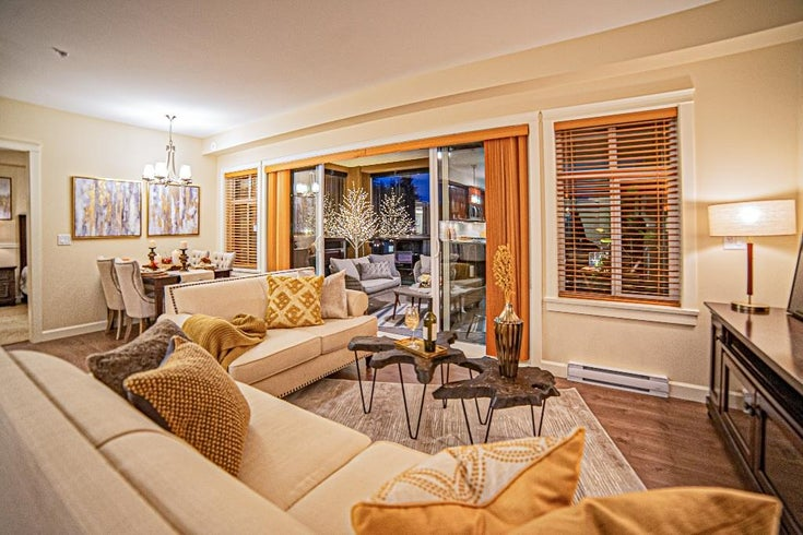 202 3535 146A STREET - King George Corridor Apartment/Condo for sale, 2 Bedrooms (R2485803)