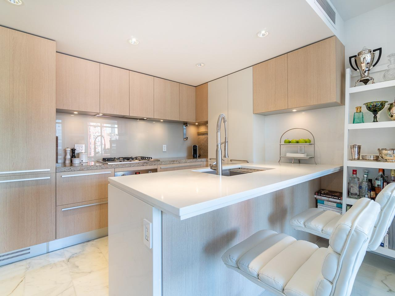 808 1351 CONTINENTAL STREET - Downtown VW Apartment/Condo for sale, 2 Bedrooms (R2487388) - #1