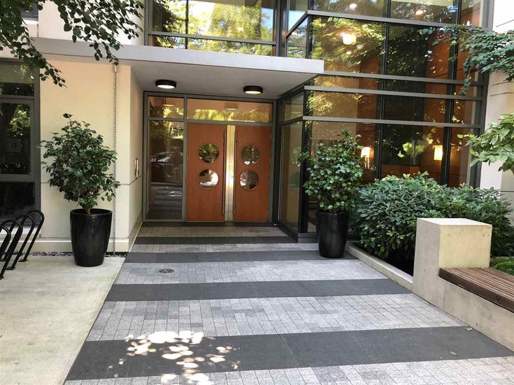 209 135 W 2ND STREET - Lower Lonsdale Apartment/Condo for sale, 2 Bedrooms (R2487810)