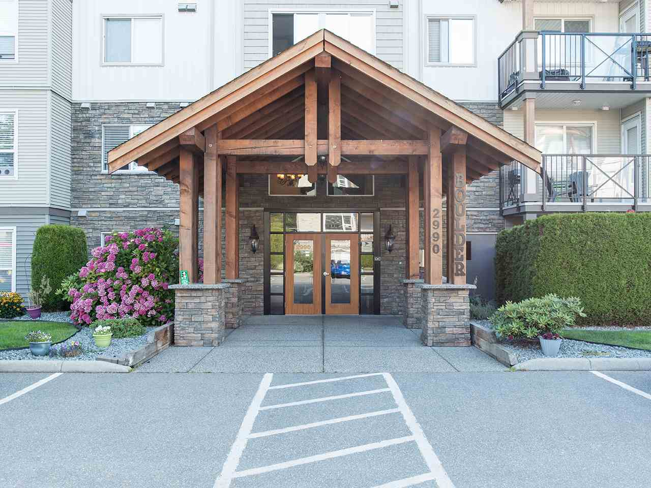 417 2990 BOULDER STREET - Abbotsford West Apartment/Condo for sale, 2 Bedrooms (R2488987) - #1