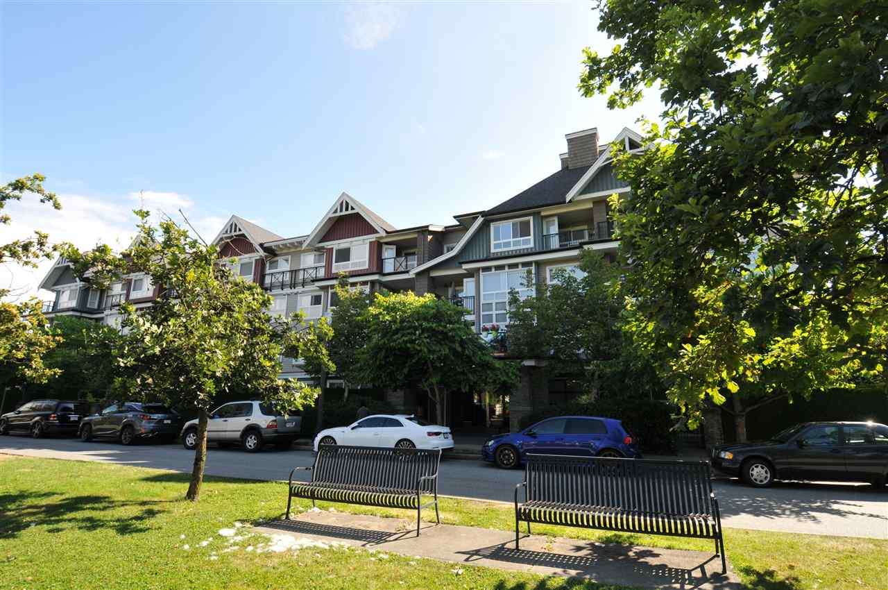 204 7088 MONT ROYAL SQUARE - Champlain Heights Apartment/Condo for sale, 3 Bedrooms (R2489130)