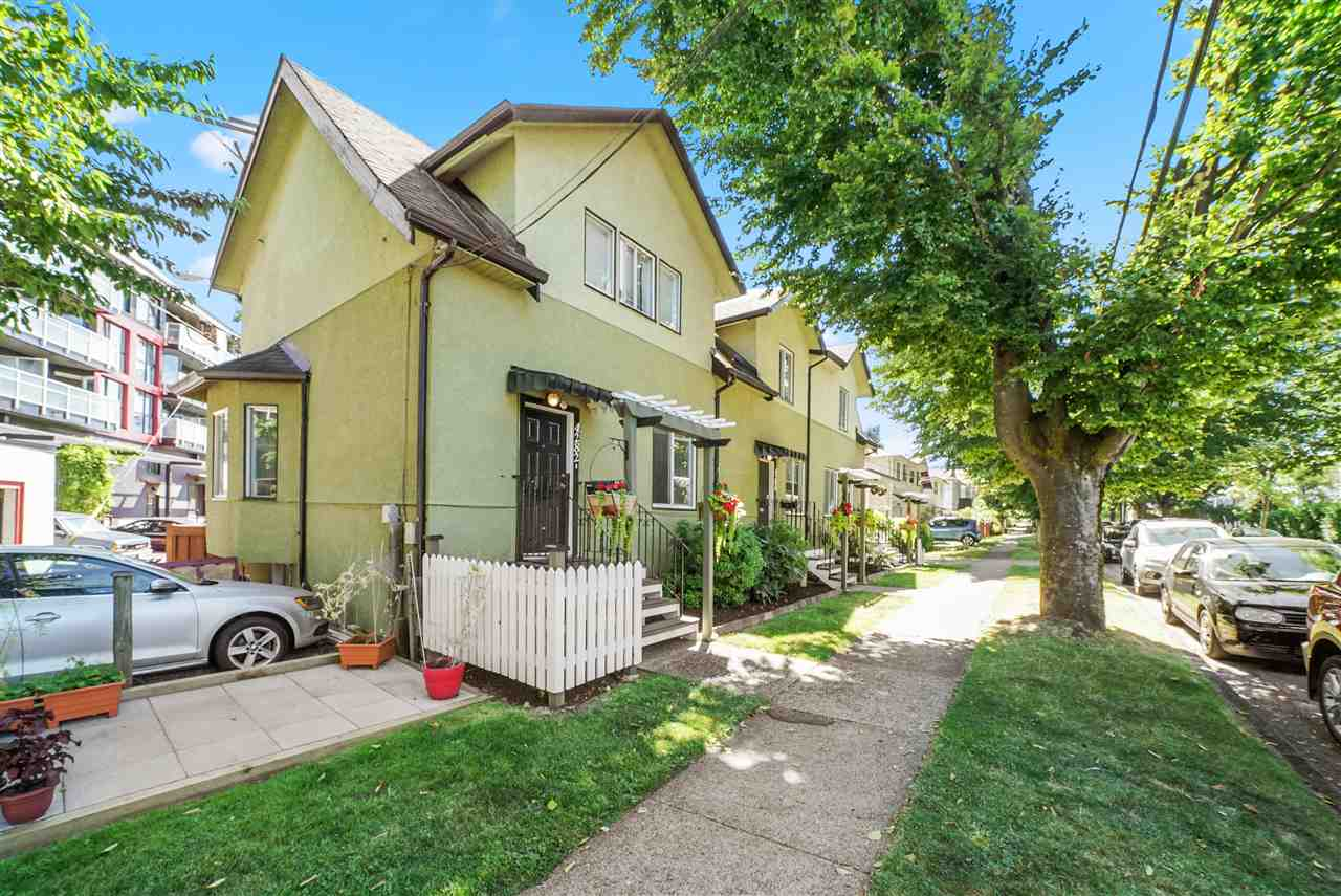4292 WELWYN STREET - Victoria VE Triplex for sale, 6 Bedrooms (R2489338) - #1