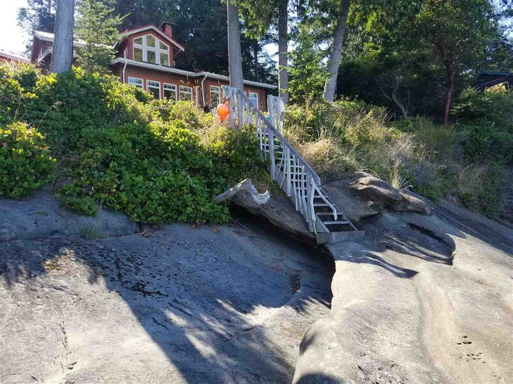 105 ISLAND PARK DRIVE - Galiano Island House/Single Family for sale, 2 Bedrooms (R2490240)