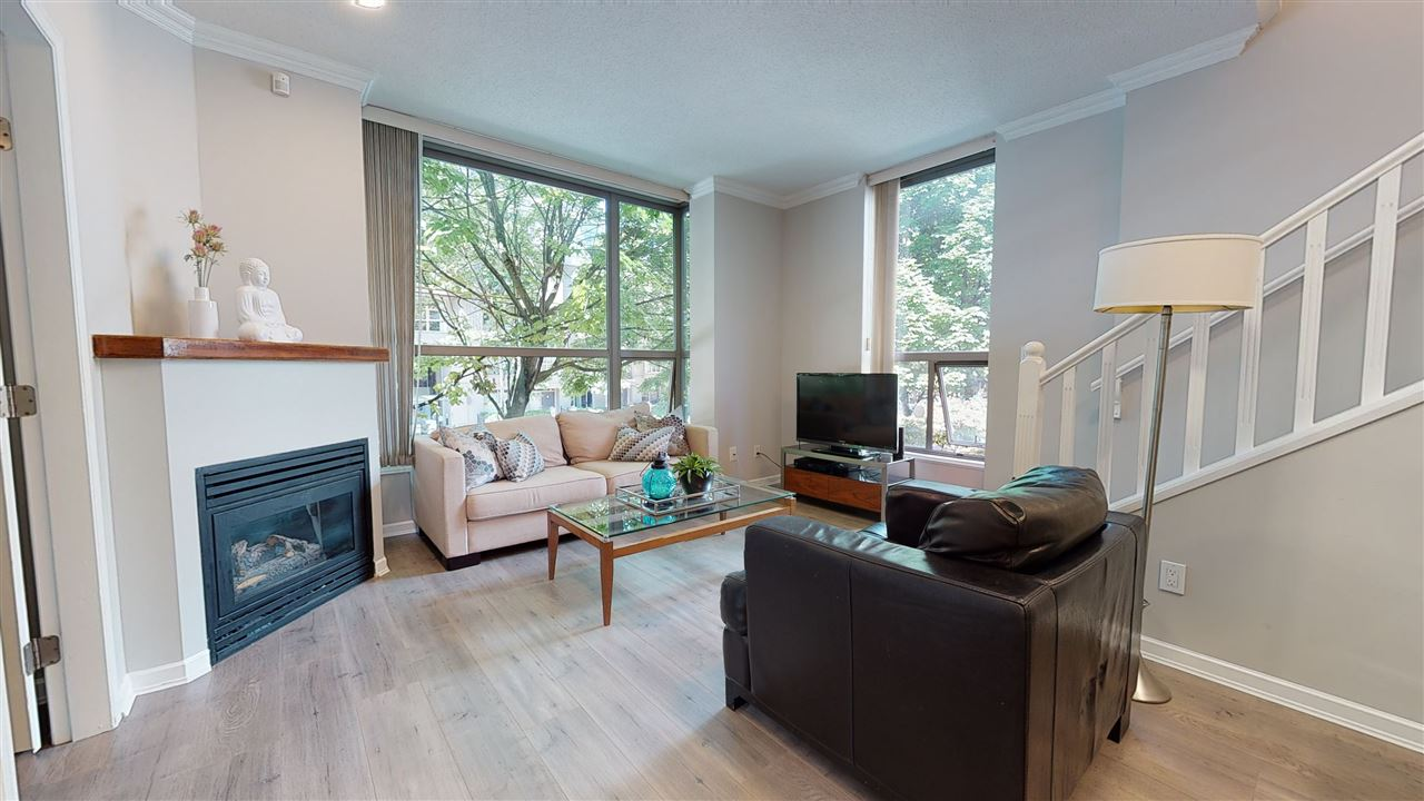 209 928 RICHARDS STREET - Yaletown Apartment/Condo for sale, 2 Bedrooms (R2491230) - #1