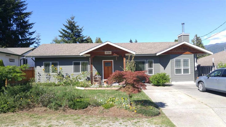 5756 NEPTUNE ROAD - Sechelt District House/Single Family for sale, 3 Bedrooms (R2491794)