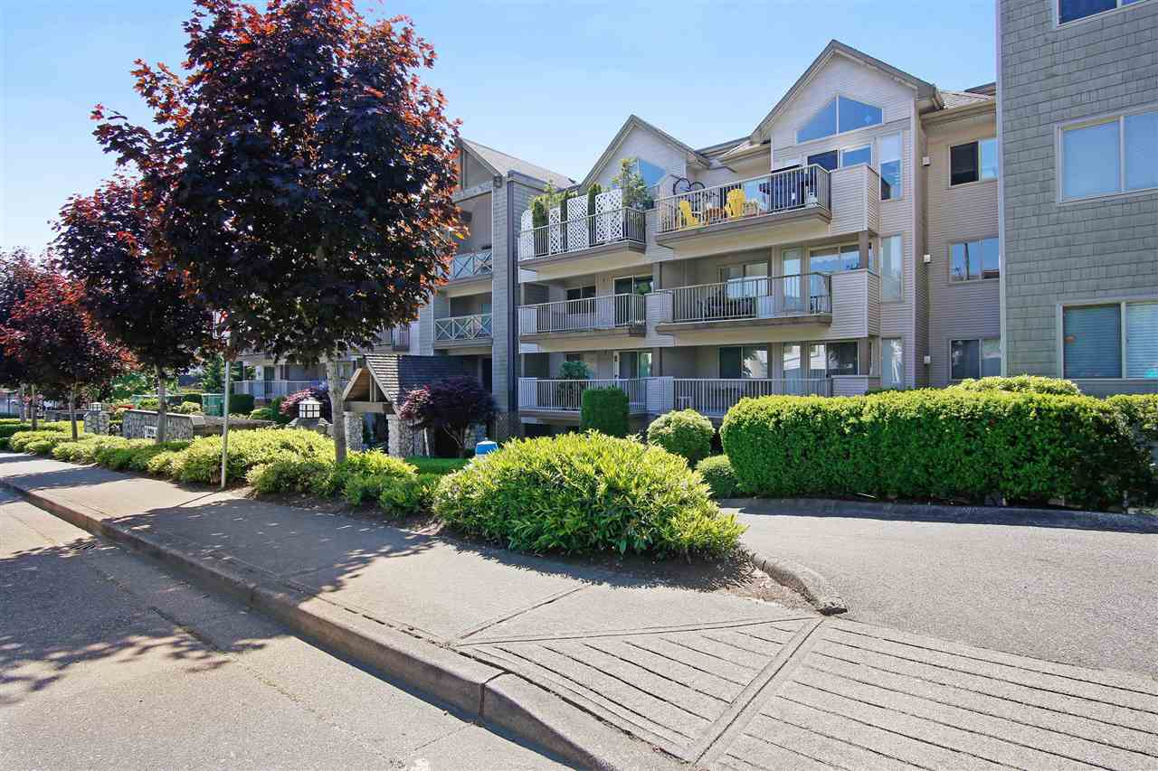 311 33478 ROBERTS AVENUE - Central Abbotsford Apartment/Condo for sale, 2 Bedrooms (R2492220) - #1