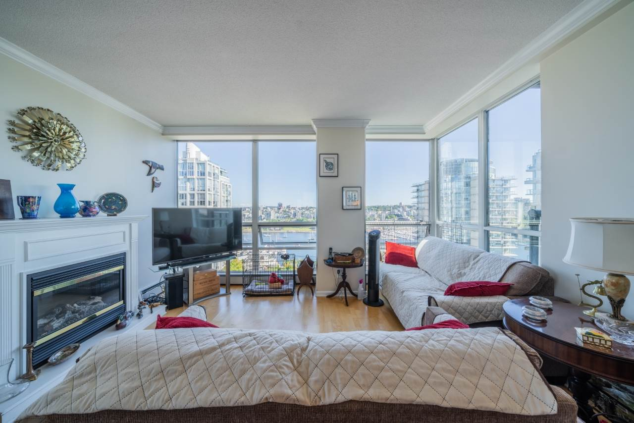 19D 139 DRAKE STREET - Yaletown Apartment/Condo for sale, 2 Bedrooms (R2492365) - #1
