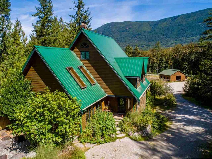 5767 MT. DANIEL VIEW ROAD - Pender Harbour Egmont House with Acreage for sale, 4 Bedrooms (R2493304)