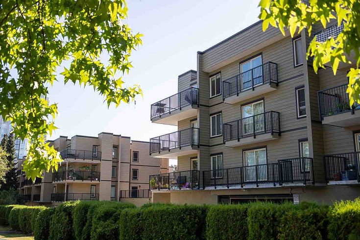 303 10468 148 STREET - Guildford Apartment/Condo for sale, 1 Bedroom (R2493810)