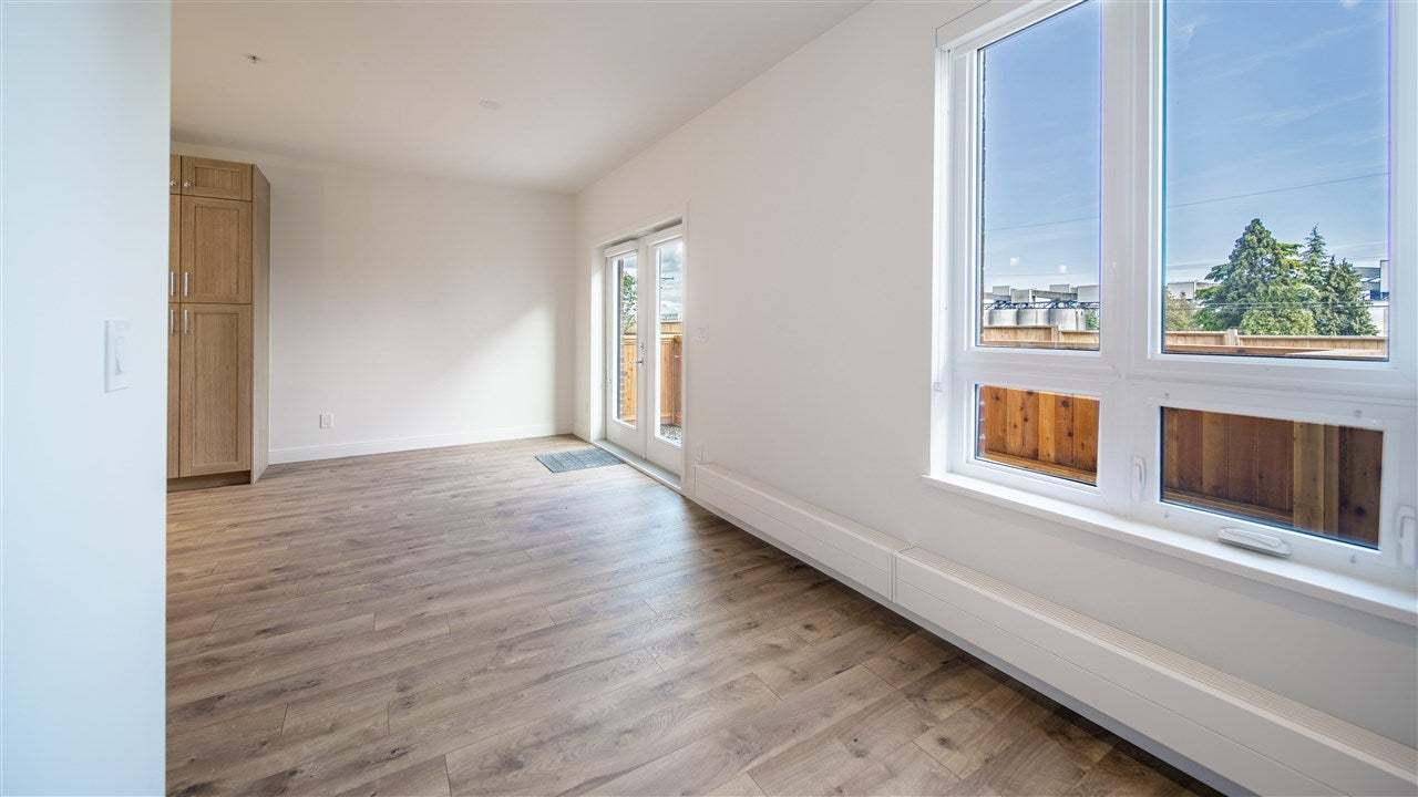 122 525 E 2ND STREET - Lower Lonsdale Townhouse for sale, 3 Bedrooms (R2493927) - #8